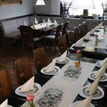 Restarant Tische eingedeckt für Feier